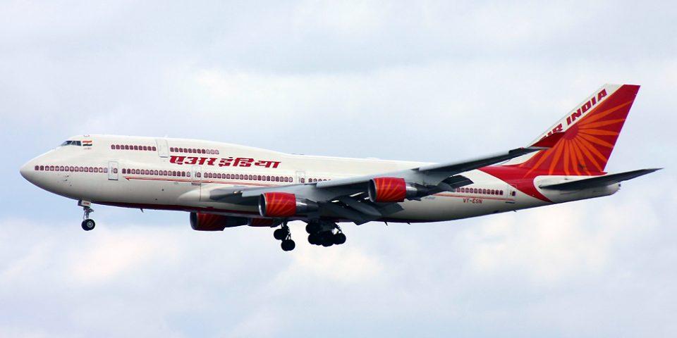 VT-ESN, Air India, B747-400