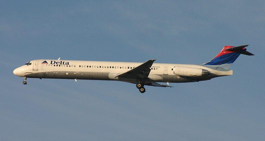 N917DL, Delta, MD-88