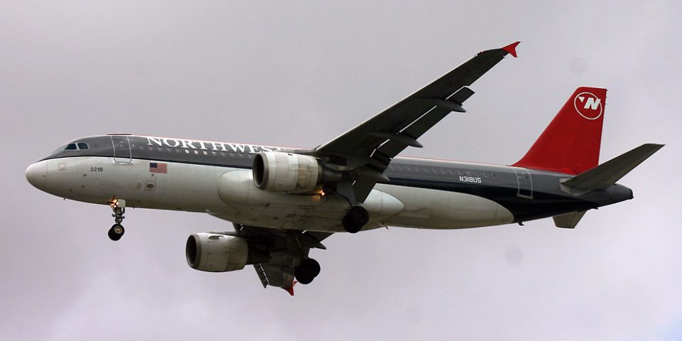 N318US, Northwest, A320