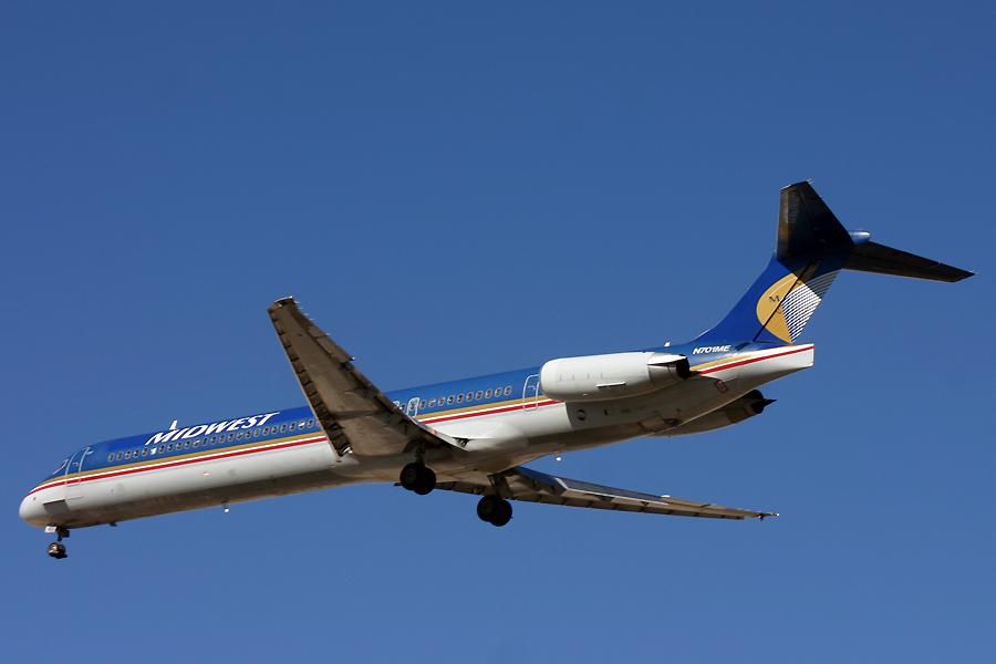 N701ME, Midwest, MD-88