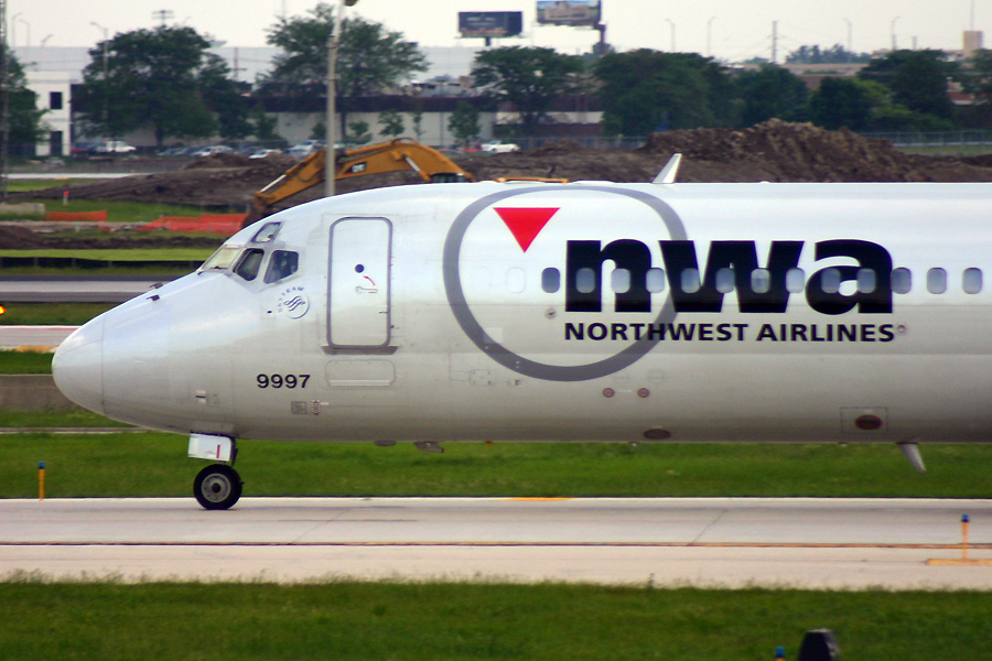 N8933E, Northwest, DC-9