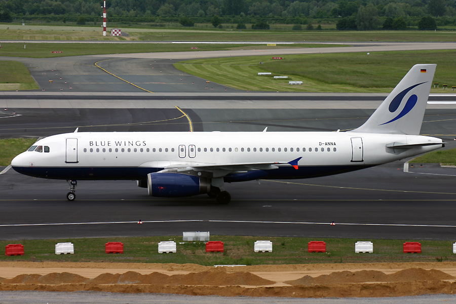 D-ANNA, Bluewings, A320