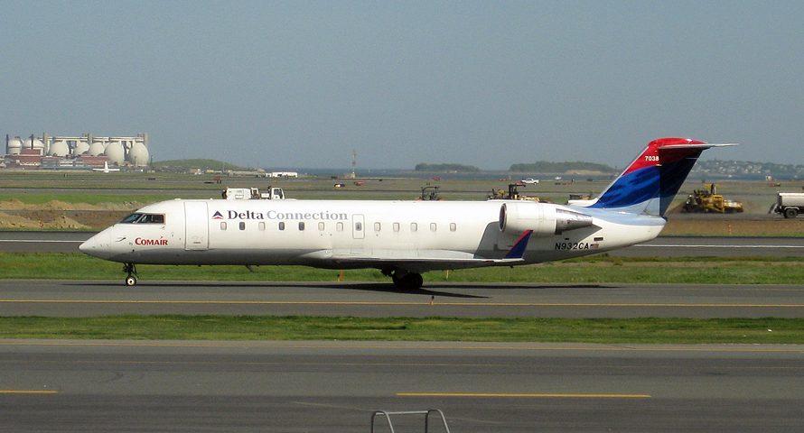 N932CA, Delta, CRJ-200