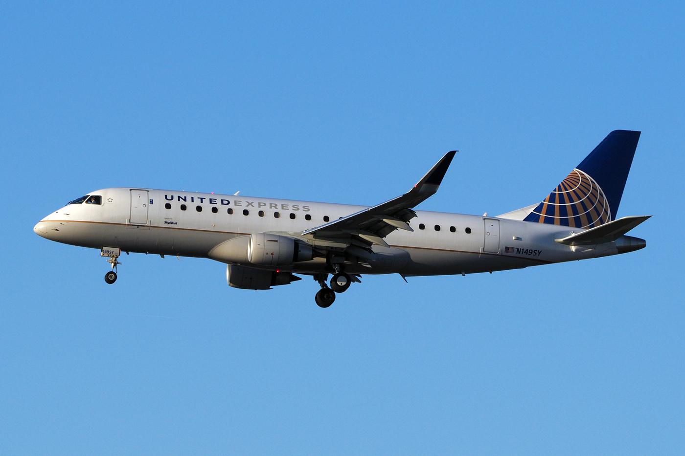 N149SY, United, Embraer 175