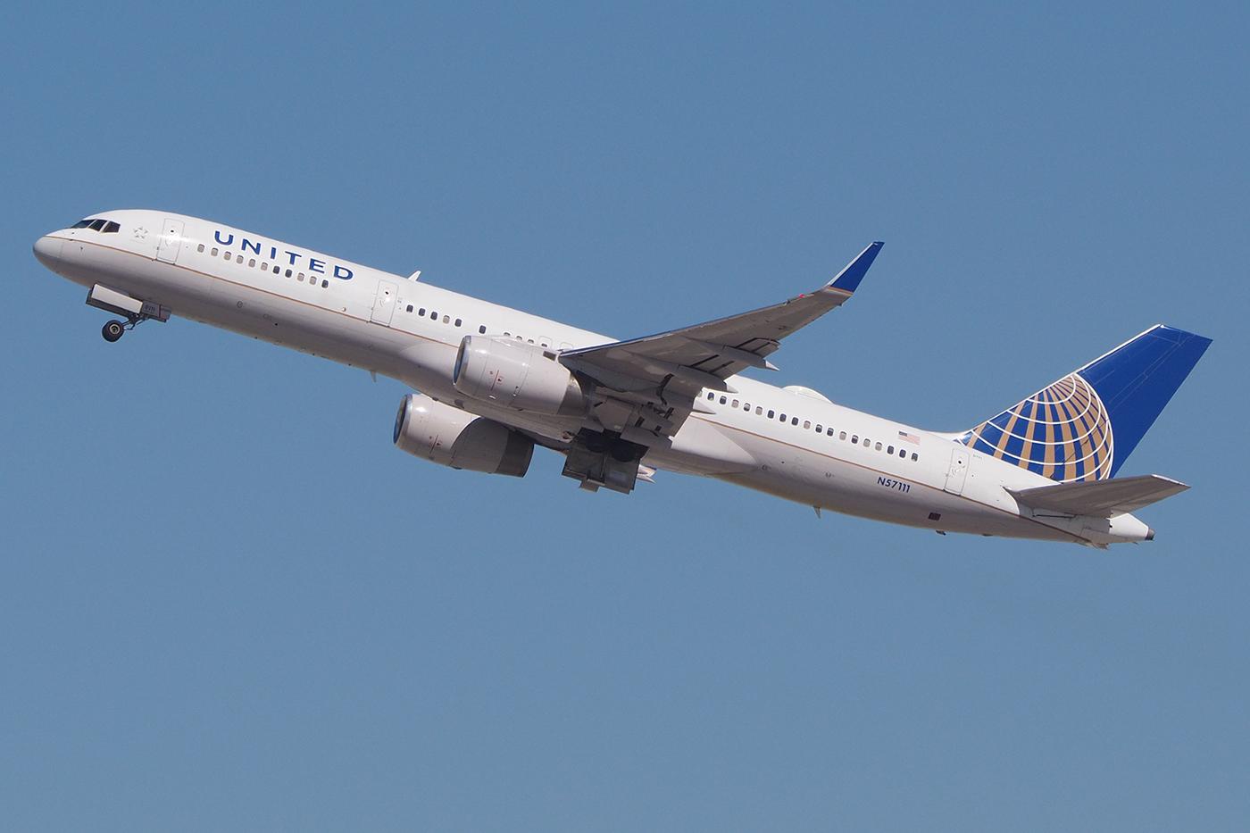 N57111, United, B757-200