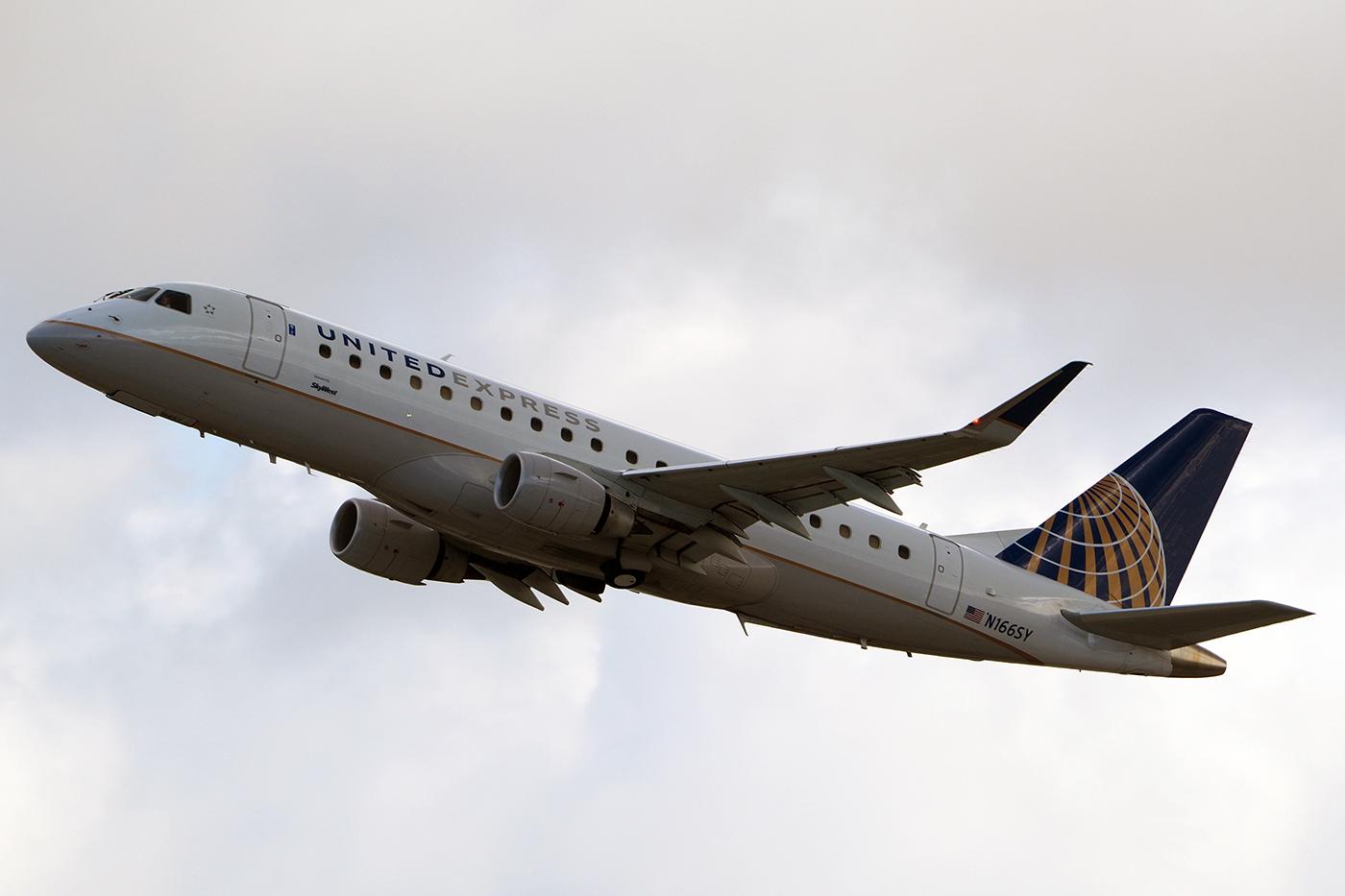 N166SY, United, Embraer 175