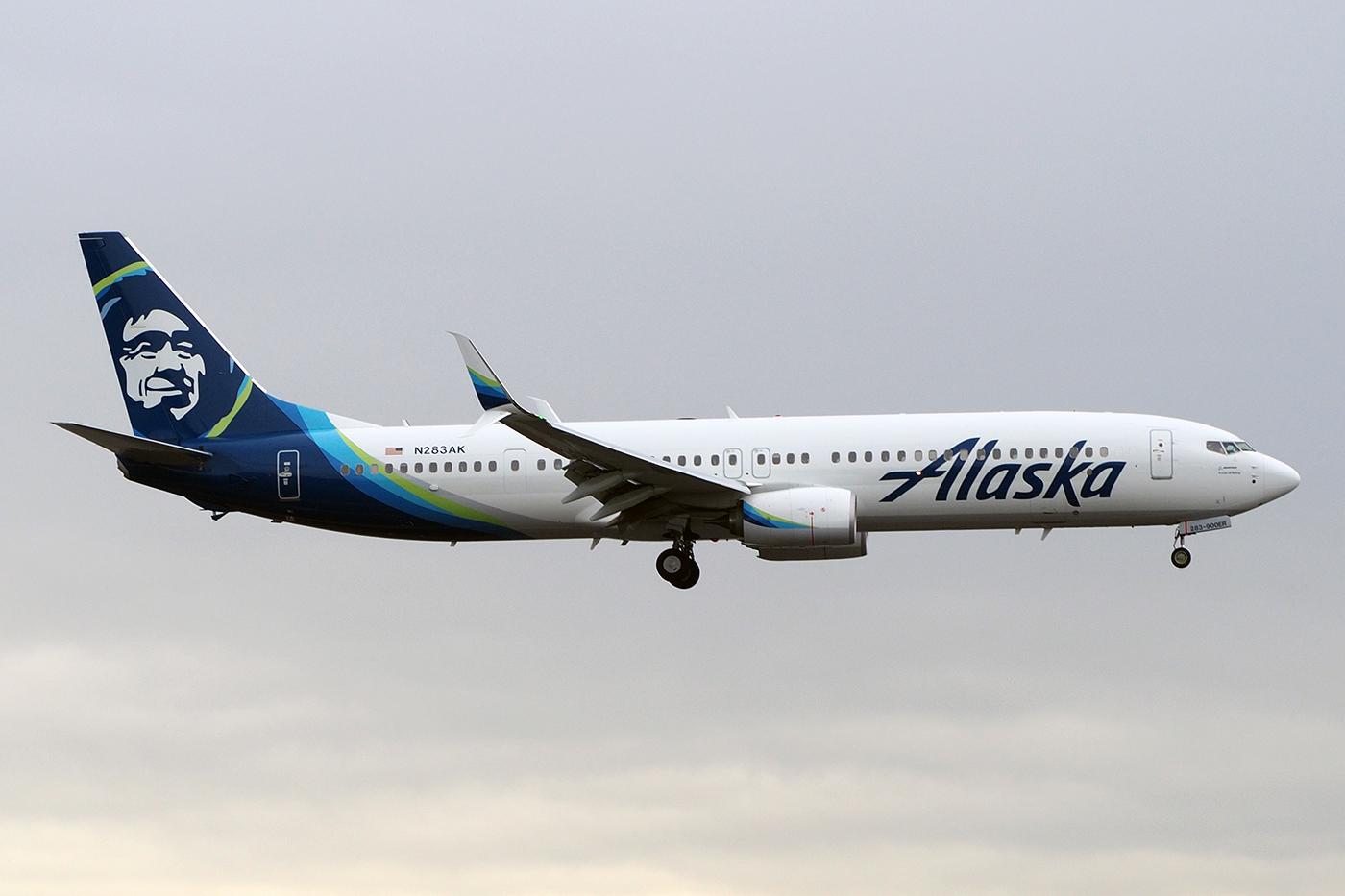N283AK, Alaska, B737-900