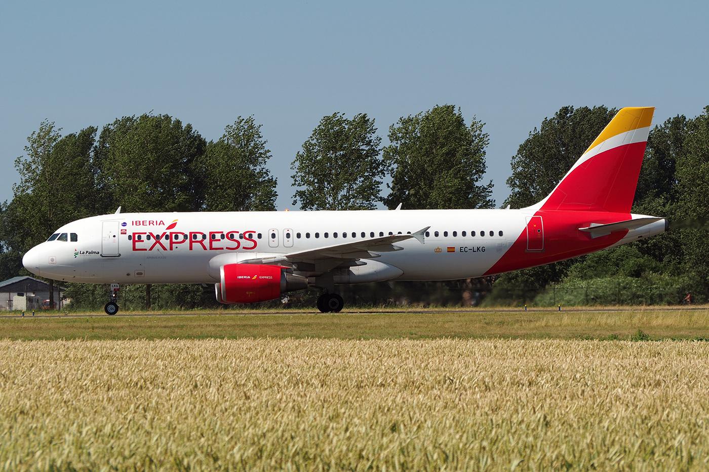 EC-LKG, Iberia, A320