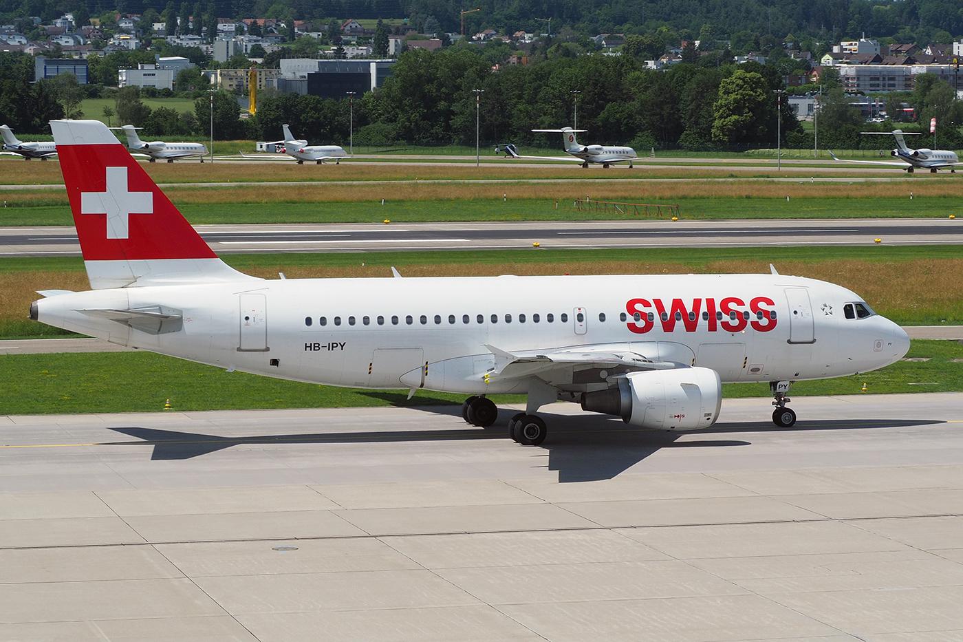 HB-IPY, Swiss, A319