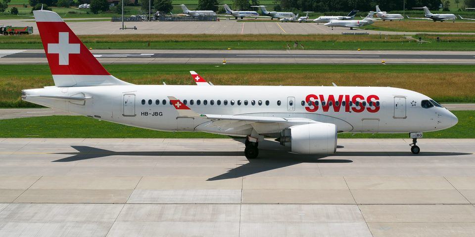 HB-JBG, Swiss, A220-100